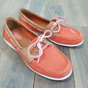 CLARKS Artisan Boat Shoes Coral/Tan